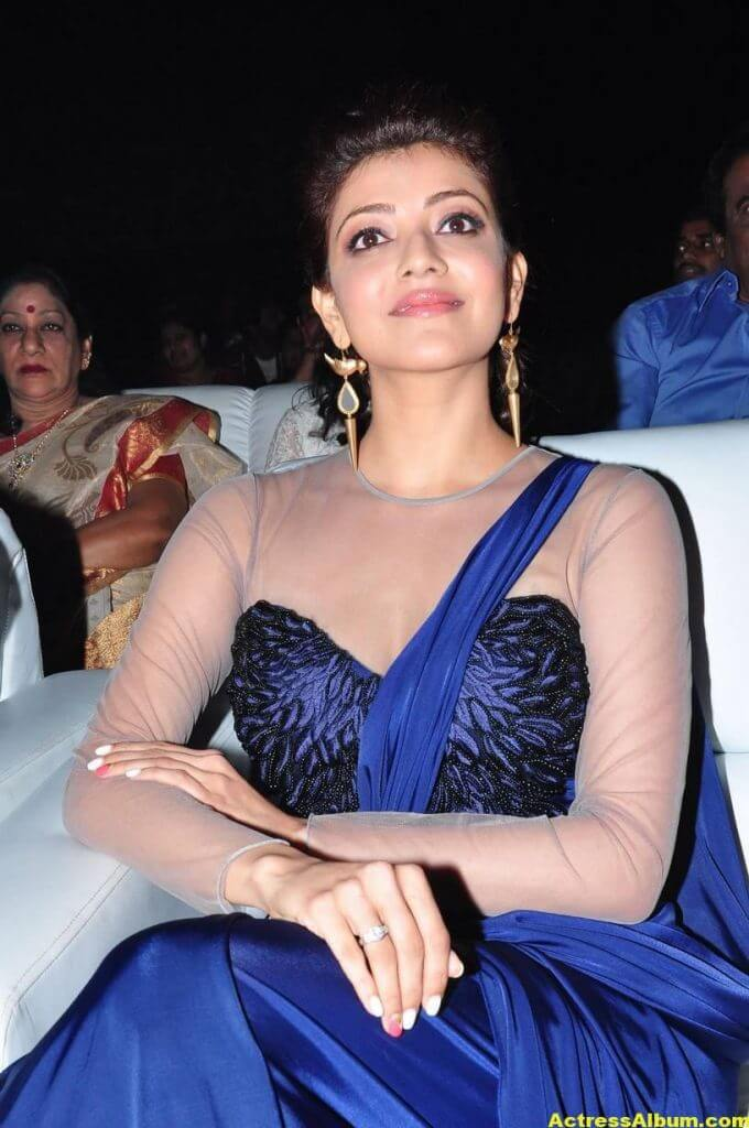 Kajal Agarwal Latest Gorgeous Stills In Blue Saree 5