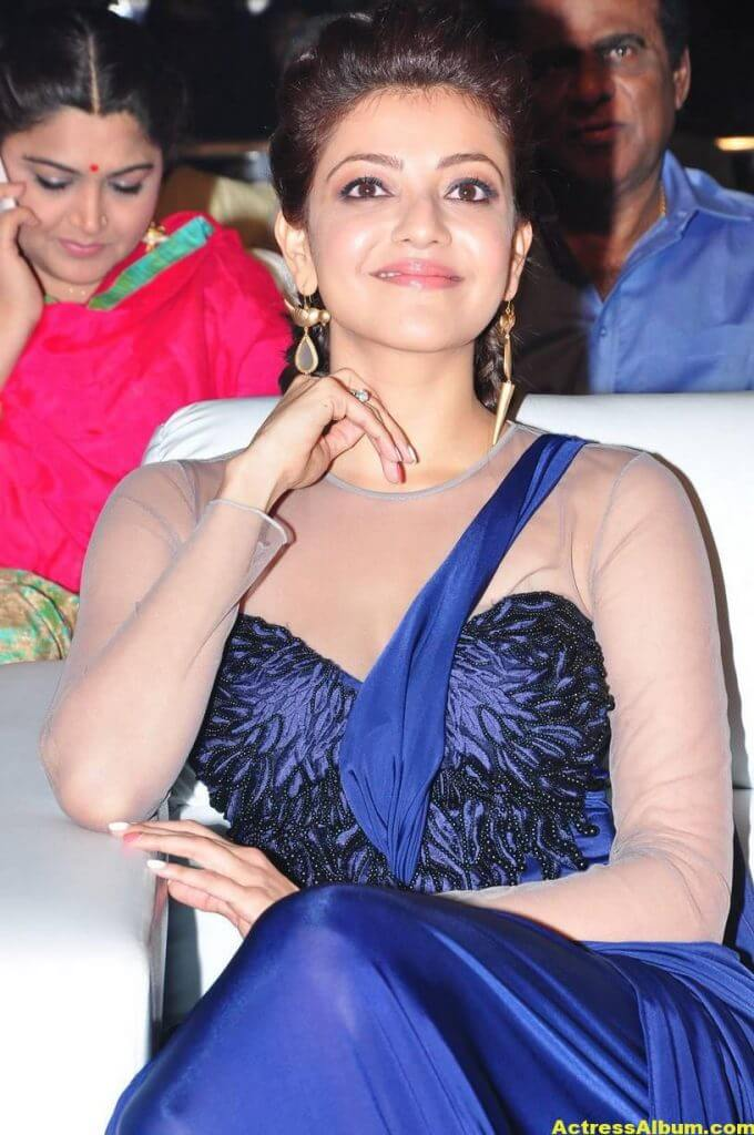 Kajal Agarwal Latest Gorgeous Stills In Blue Saree 6