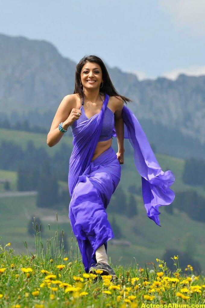 Kajal Aggarwal Hot Photos In Blue Saree 2