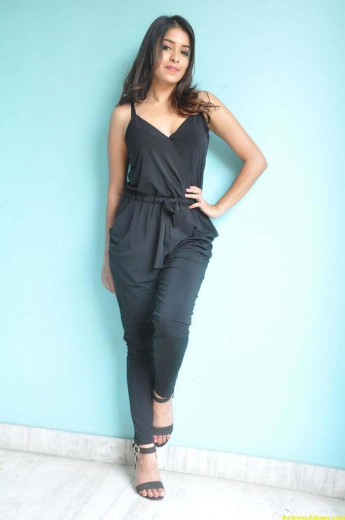 Latha Hegde At Tuntari Movie Press Meet Photos 2