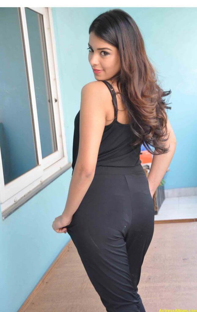 Latha Hegde At Tuntari Movie Press Meet Photos 5