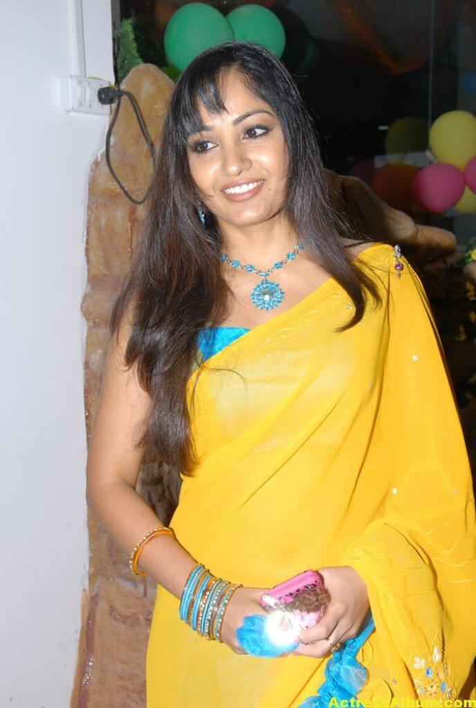 Madhavi Latha Latest Stills in Yellow Saree 3