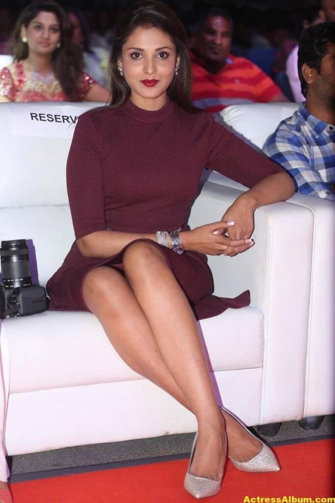 Madhu Shalini Latest Hot Photos 2