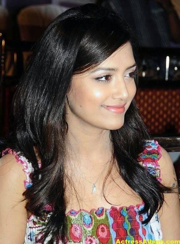 Mamatha Mohandas Latest Cute Stills In White Dress 4