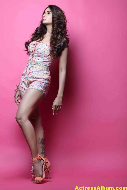 PARUL YADAV LATEST PHOTOSHOOT PHOTOS 1