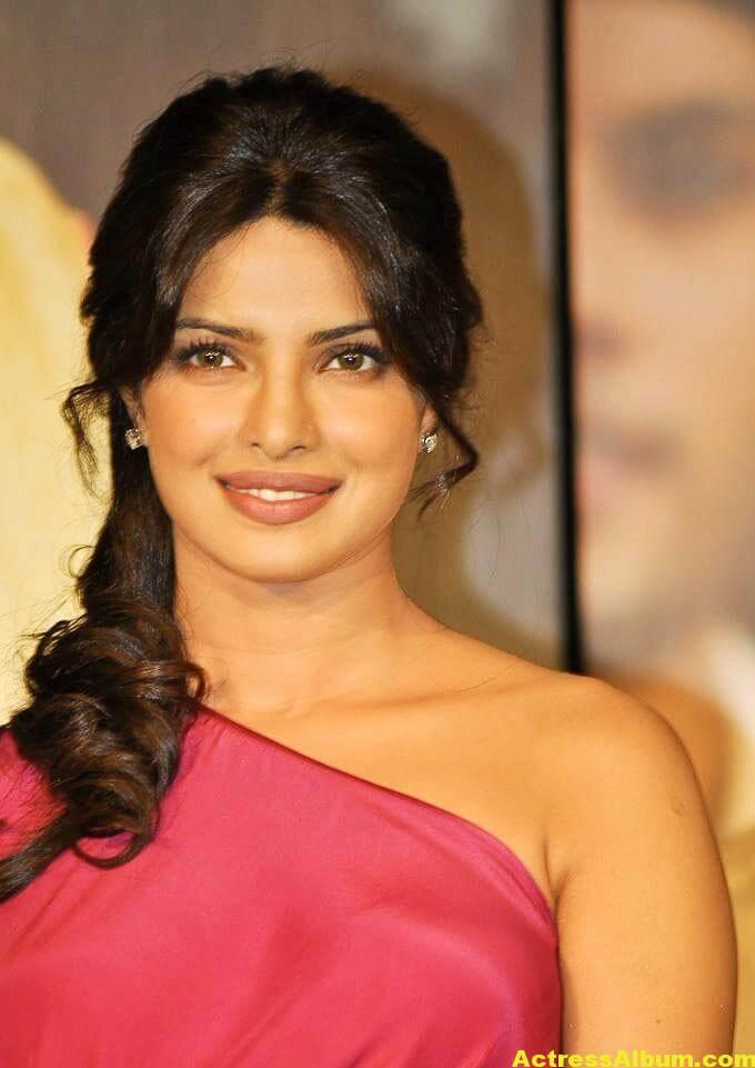 Priyanka Chopra Latest Pictures In Pink Dress 1