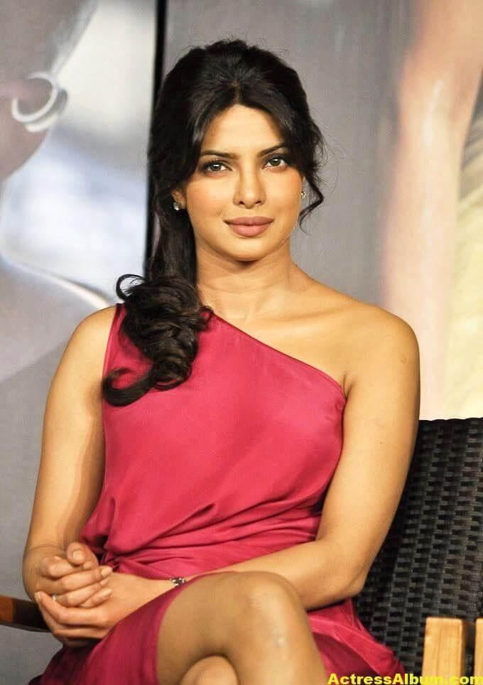 Priyanka Chopra Latest Pictures In Pink Dress 3