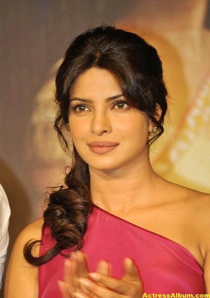 Priyanka Chopra Latest Pictures In Pink Dress 4