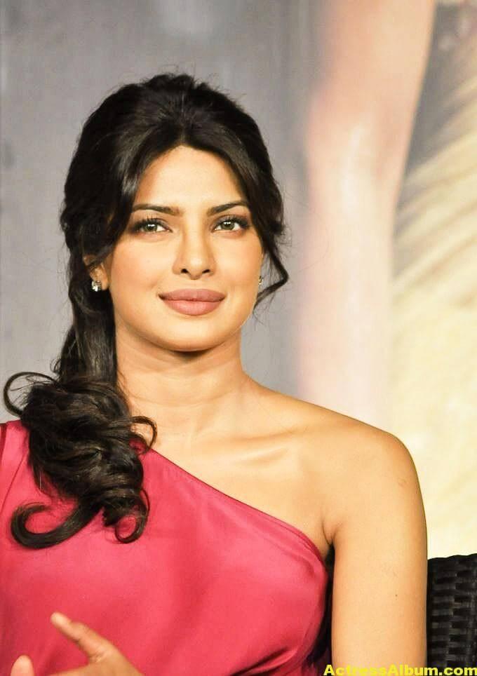 Priyanka Chopra Latest Pictures In Pink Dress 6