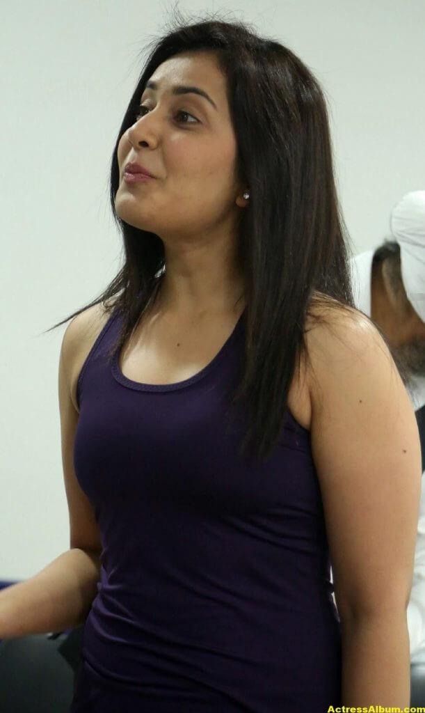 Rashi Khanna At Fitness Gym launch Photos 1