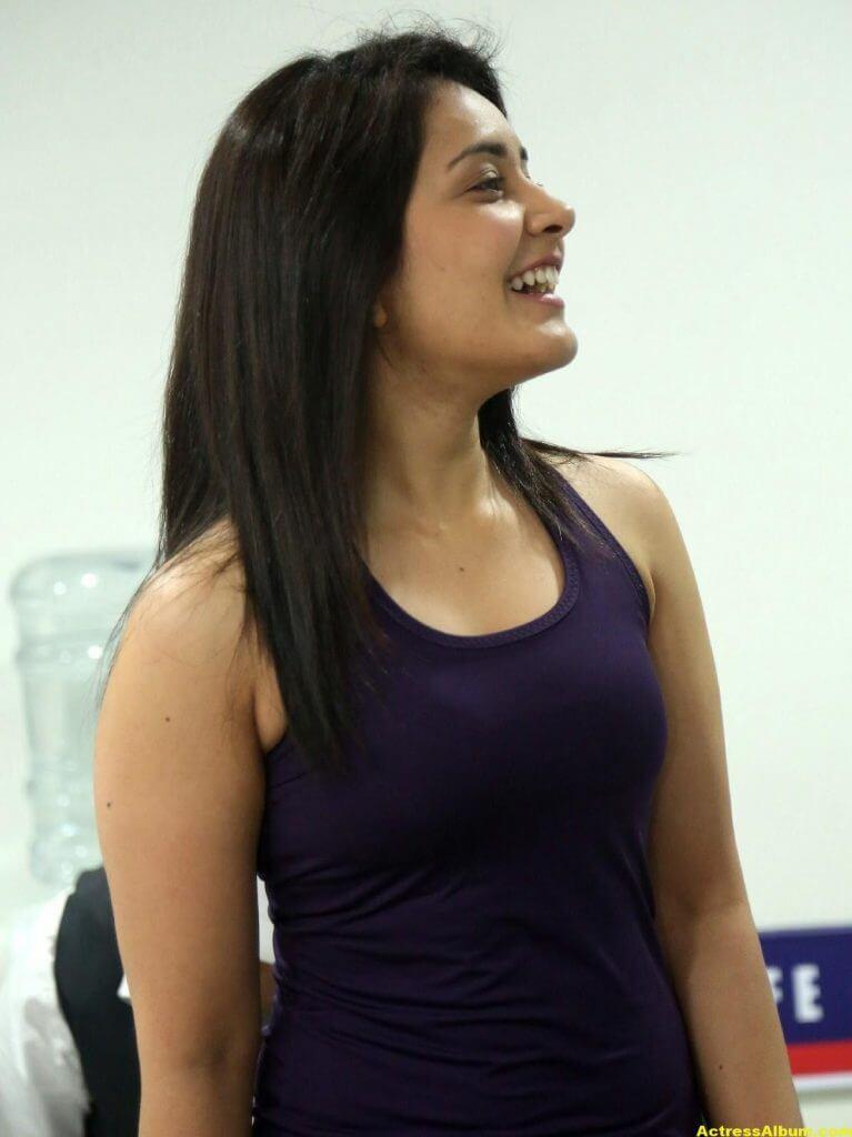 Rashi Khanna At Fitness Gym launch Photos 5