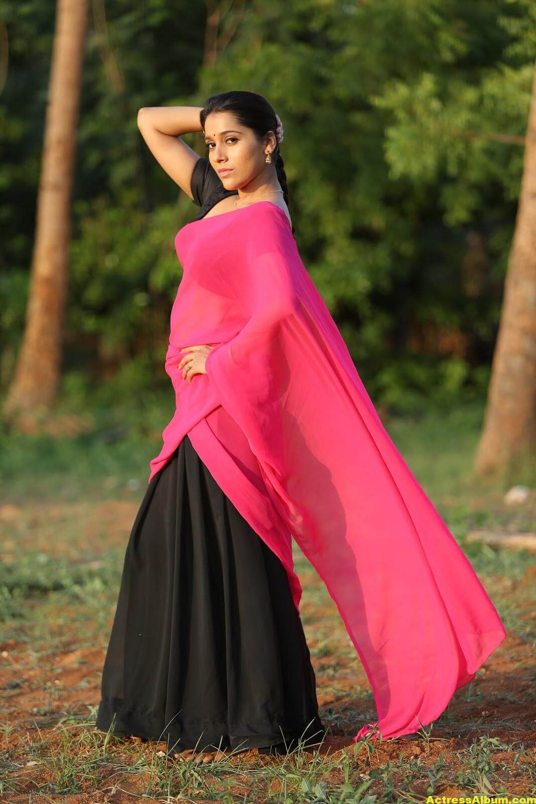Rashmi Goutham Latest Photoshoot In Pink half Saree 1