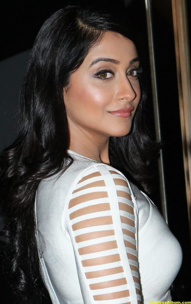 Regina Cassandra Hot Photoshoot In White Dress (3)