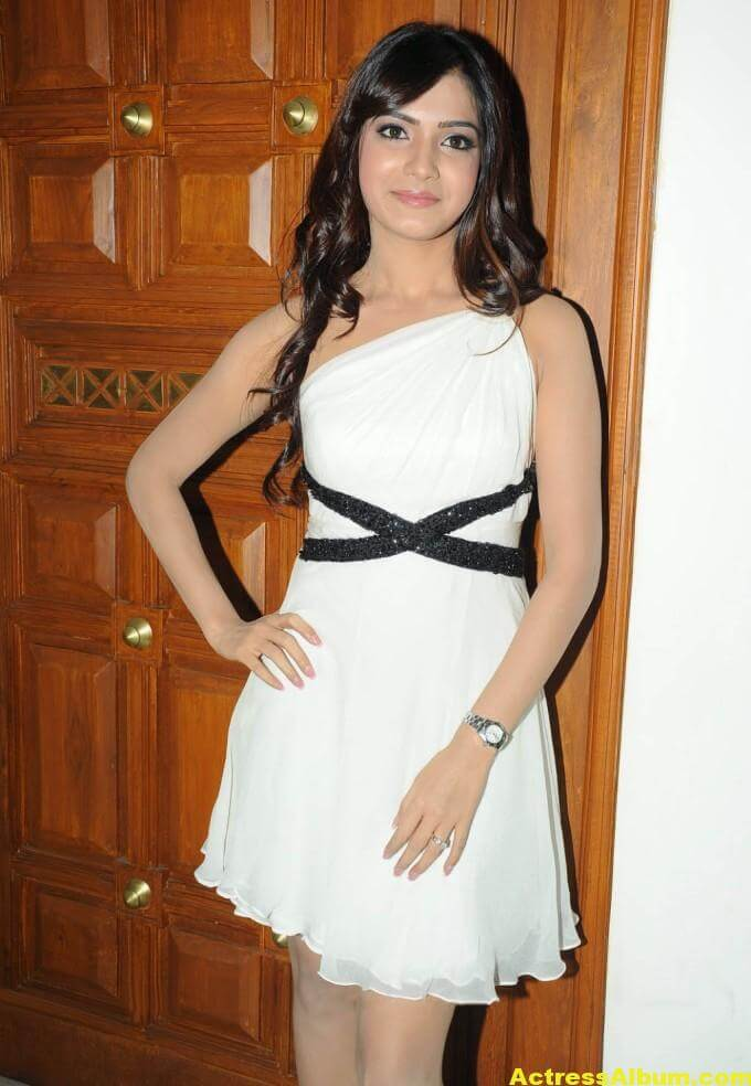 Samantha Latest Smiling Stills In White Dress 4