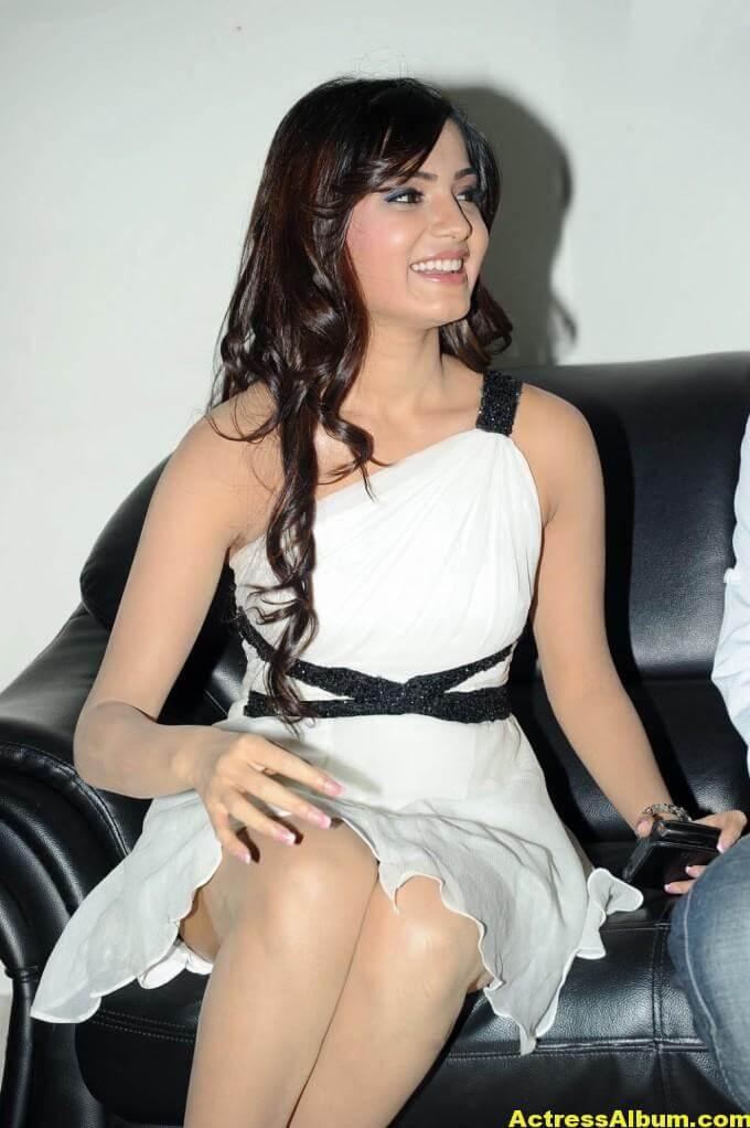 Samantha Latest Smiling Stills In White Dress 6