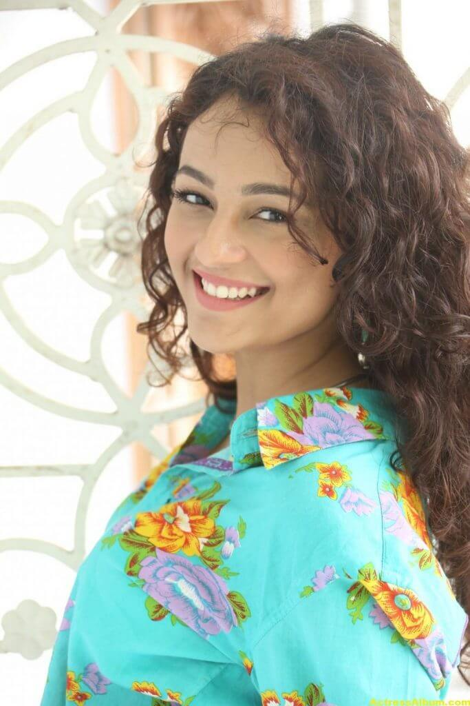 Seerat Kapoor Latest Hot Photos 2