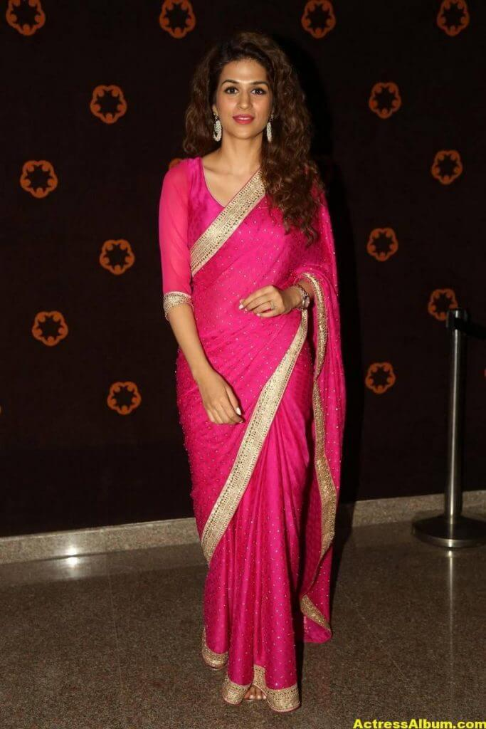 Shraddha Das Latest Hot Stills In Pink Saree (3)