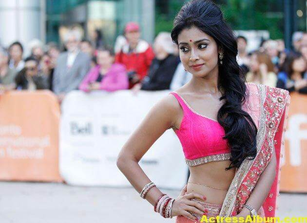Shriya Saran Latest Photos In a Pink Half Saree 4