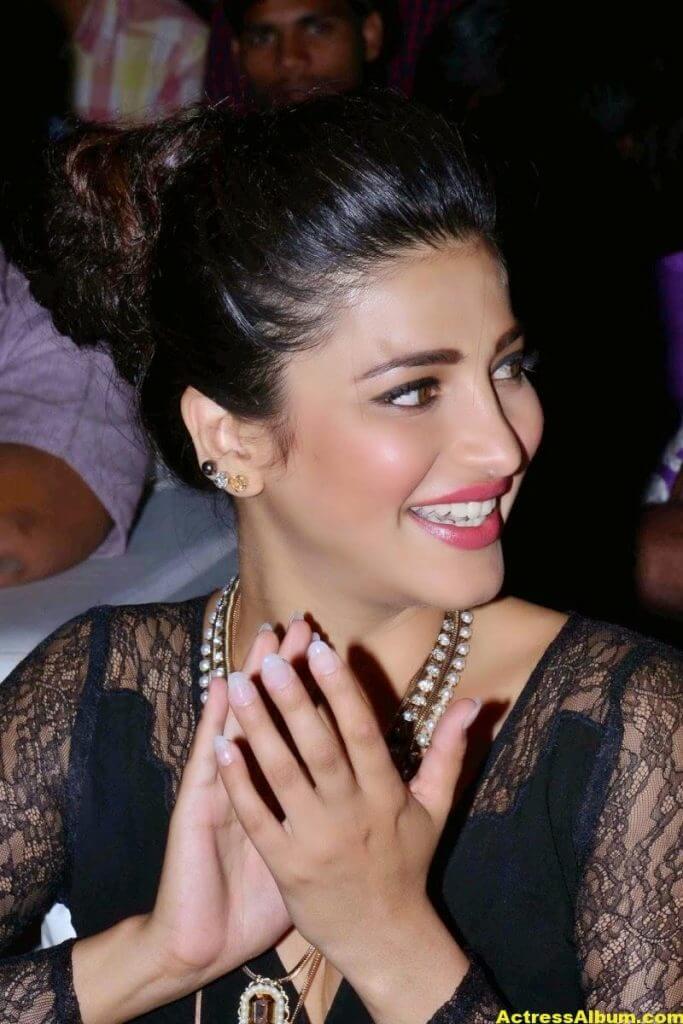 Shruti Haasan Latest Cute Hot Black Dress Photos 4