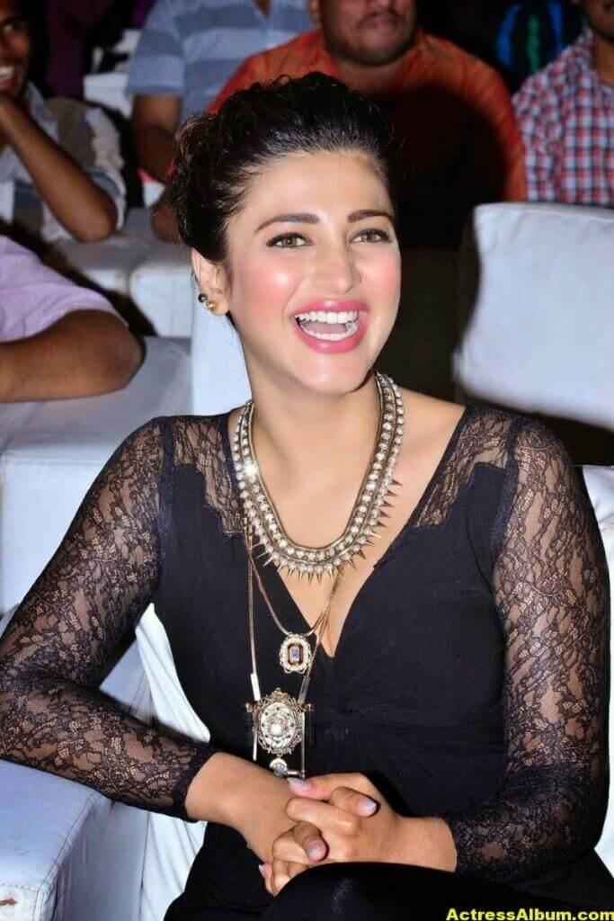 Shruti Haasan Latest Cute Hot Black Dress Photos 6
