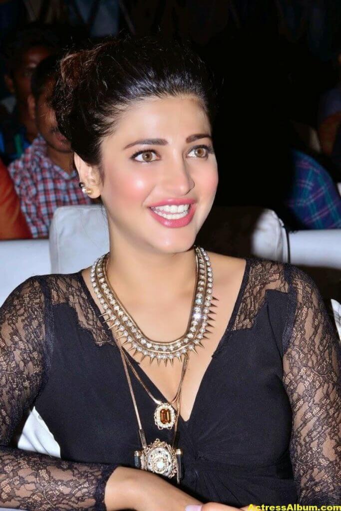 Shruti Haasan Latest Cute Hot Black Dress Photos 7