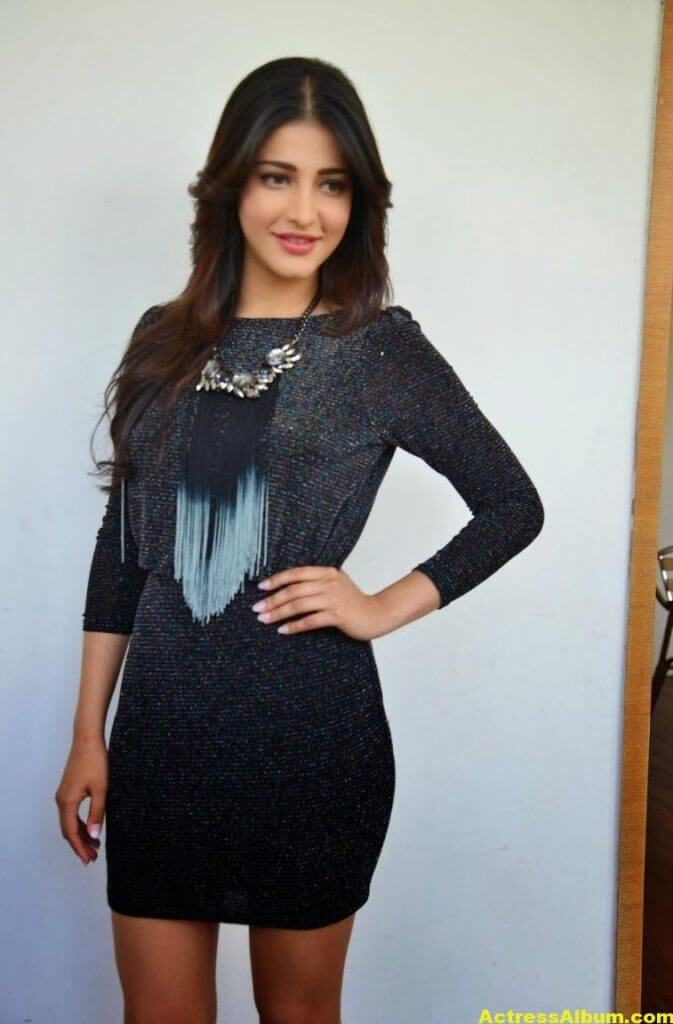 Shruti Haasan Latest Hot Legs Showing Photoshoot 5
