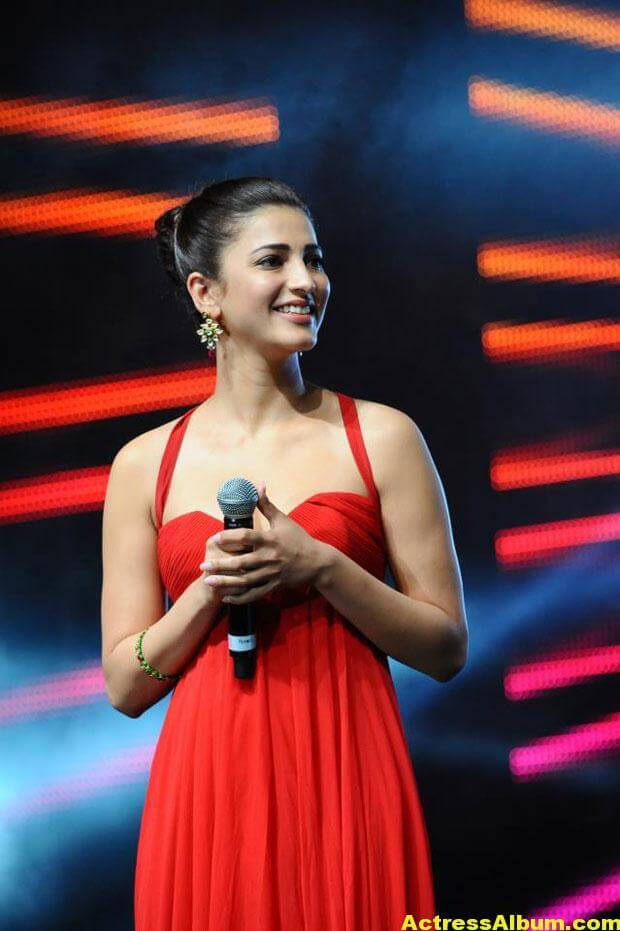 Shruti Haasan Latest Hot Red Dress Photos 2