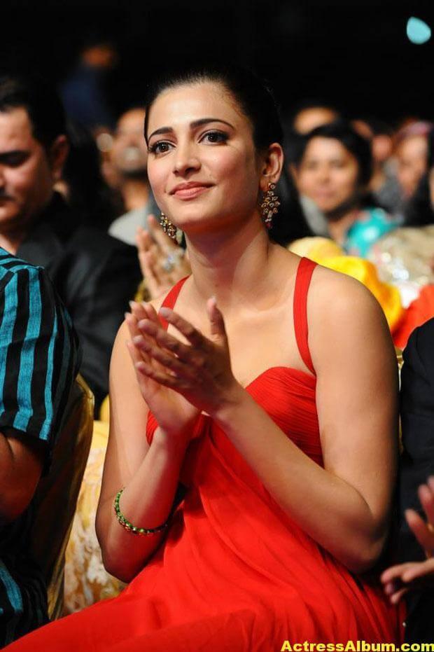 Shruti Haasan Latest Hot Red Dress Photos 3