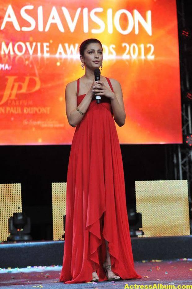 Shruti Haasan Latest Hot Red Dress Photos 5
