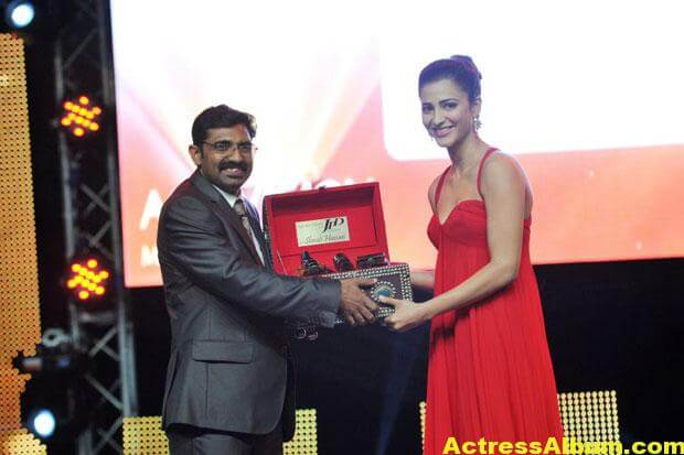 Shruti Haasan Latest Hot Red Dress Photos 6