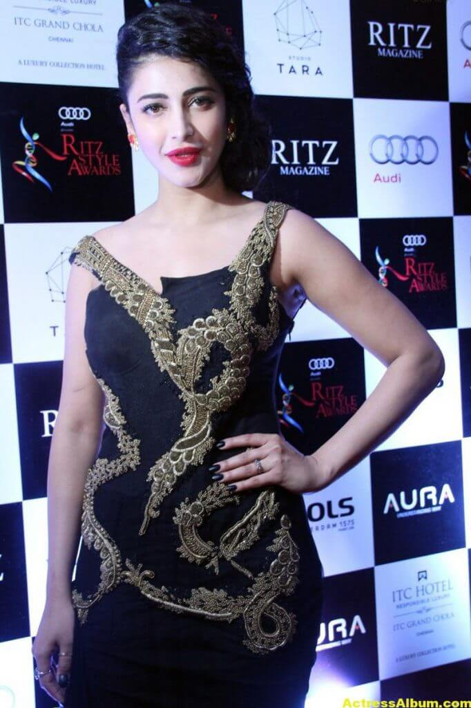 Shruti Haasan Photos at Awards Function 2