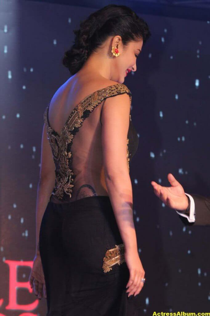 Shruti Haasan Photos at Awards Function 4