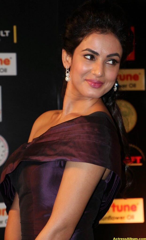Sonal Chauhan Latest Hot Photos At Iifa Utsavam 6