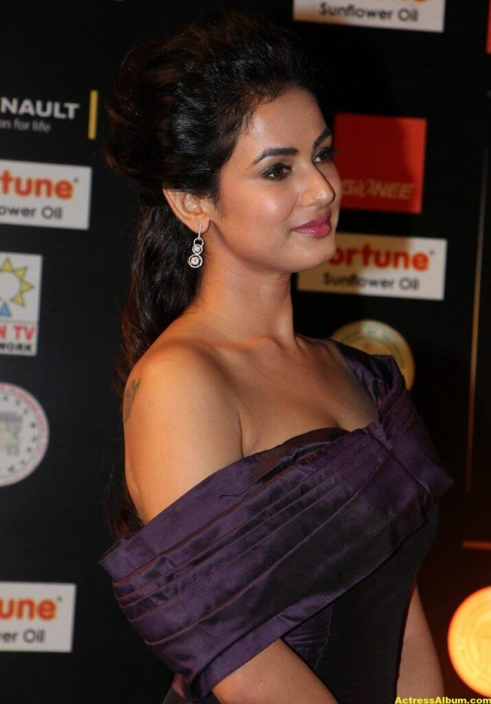 Sonal Chauhan Latest Hot Photos At Iifa Utsavam 7
