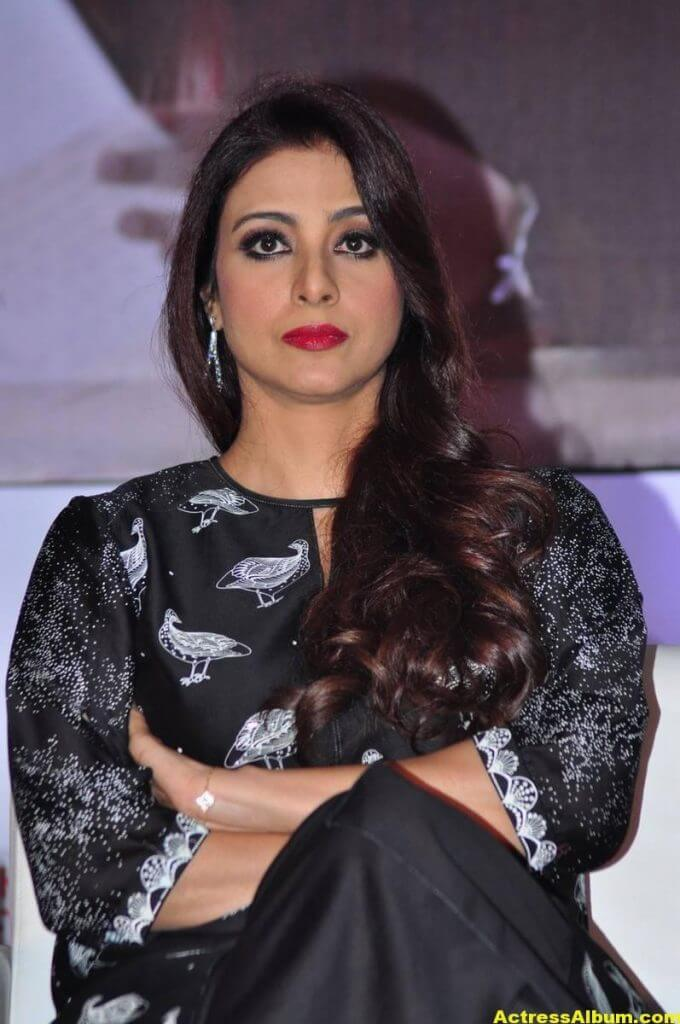 Tabu Latest Hot Stills In Black Dress (4)