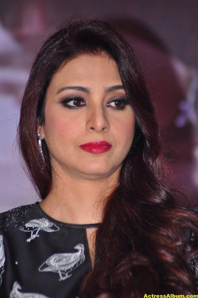 Tabu Latest Hot Stills In Black Dress (5)