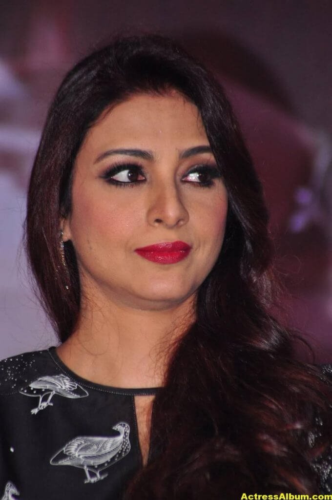 Tabu Latest Hot Stills In Black Dress (6)