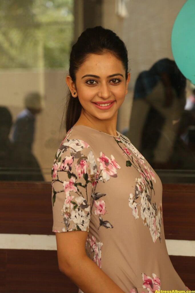 Tamil Actress Rakul Preet Latest Photos 4