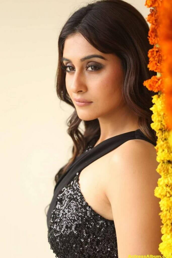 Tamil Actress Regina Cassandra Hot Photos In Black Dress 1