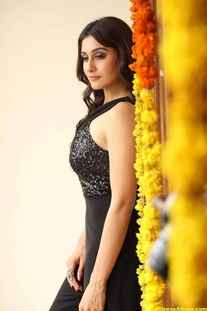 Tamil Actress Regina Cassandra Hot Photos In Black Dress 7