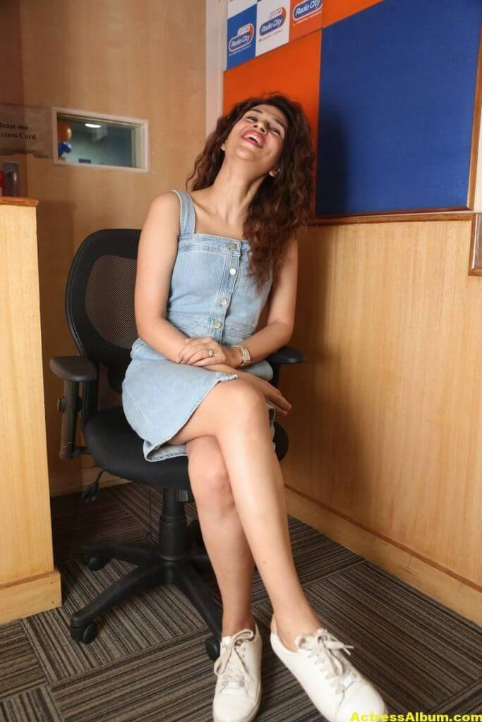 Tamil Actress Shraddha Das Latest Photos Stills 6