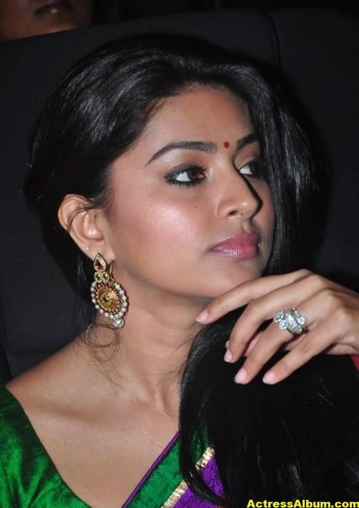 Tamil Actress Sneha Latest Photos Stills 8