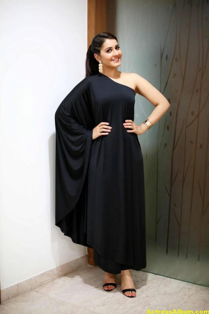 Actress Rashi Khanna Hot In Black Dress 3