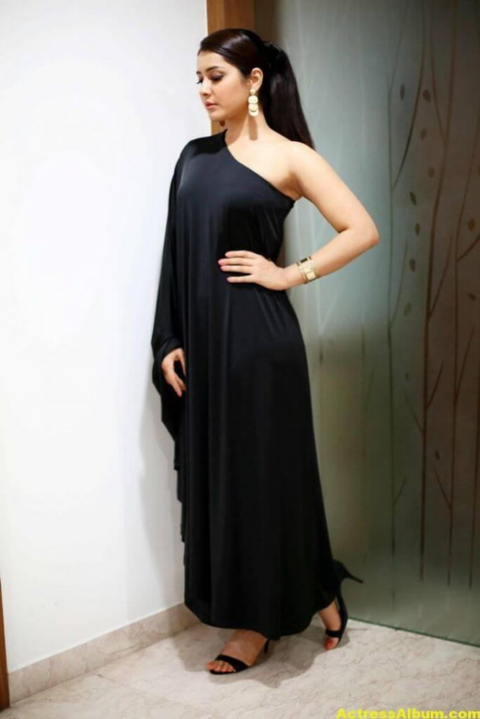 Actress Rashi Khanna Hot In Black Dress 4
