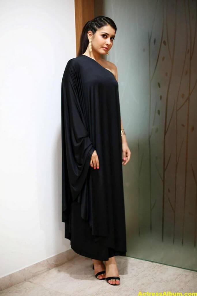 Actress Rashi Khanna Hot In Black Dress 6