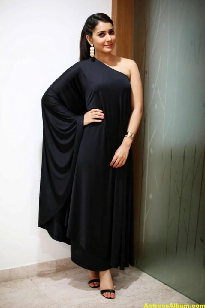 Actress Rashi Khanna Hot In Black Dress 7