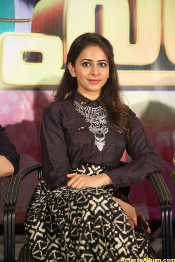 Rakul Preet Singh Hot Images In Black Dress 1