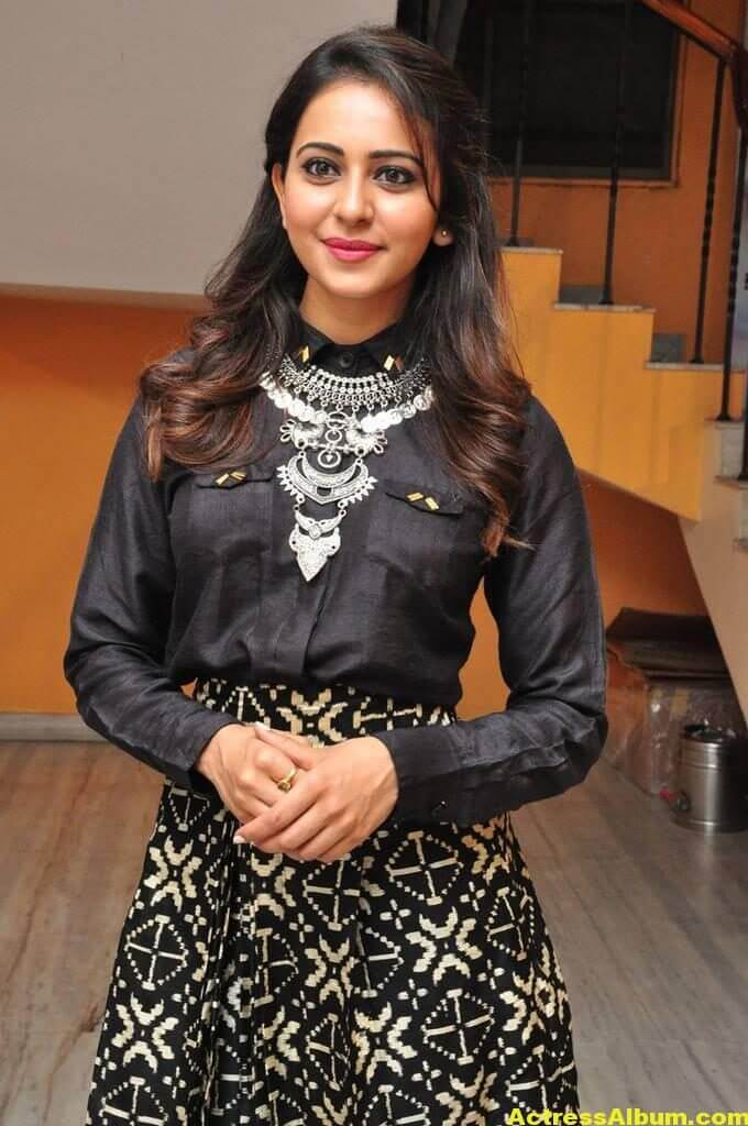 Rakul Preet Singh Hot Images In Black Dress 2