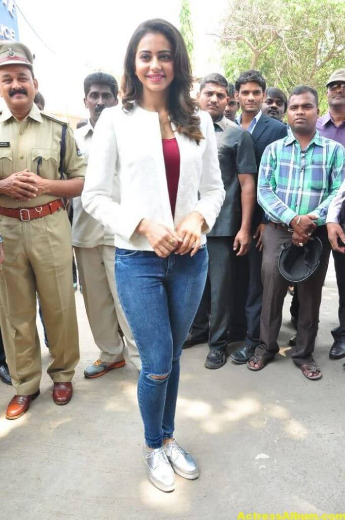 Rakul Preet Singh Photos At Traffic Awareness Show 1