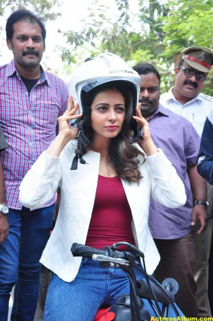 Rakul Preet Singh Photos At Traffic Awareness Show 4